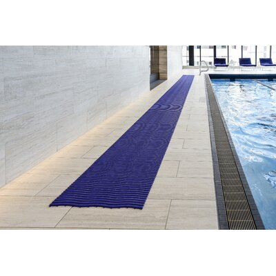 Wet Area Runner Utility Mat Mat Size: Large, Color: Ocean Blue