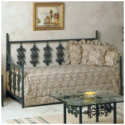 Mckale Daybed Finish: Antique Bronze