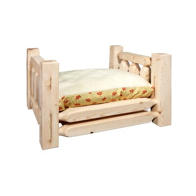 Homestead Rustic Pet Bed with Mattress Size: 17 x 26 x 21, Finish: Lacquered