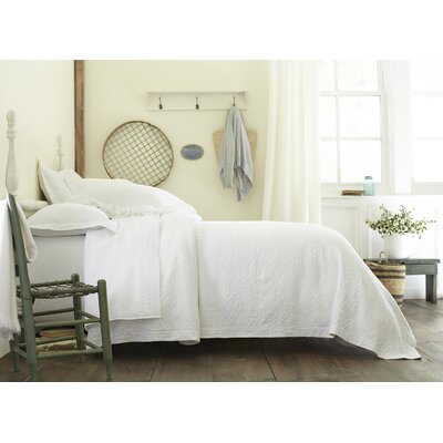 Charlotte Coverlet Size: King