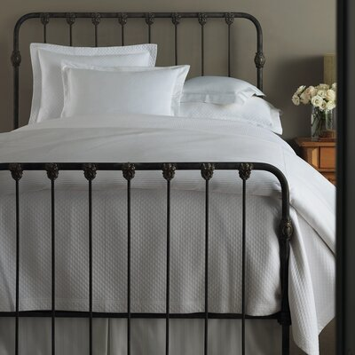 Oxford Tailored Hem Coverlet Size: Queen, Color: White