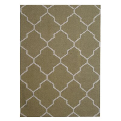 Hand-Tufted Green/Beige Indoor Area Rug