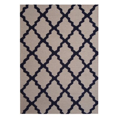 Hand-Tufted Beige/Navy Indoor Area Rug