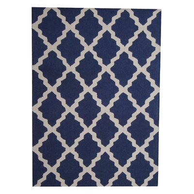 Hand-Tufted Blue/Ivory Indoor Area Rug