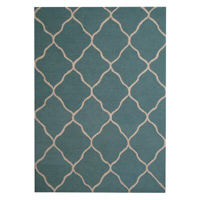 Hand-Tufted Light Green/Beige Indoor Area Rug