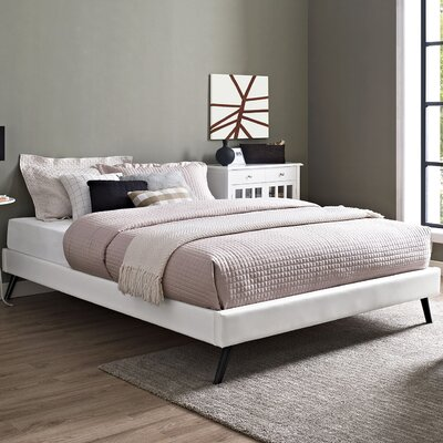 Helen Platform Bed Color: White
