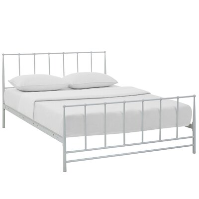 Estate Platform Bed Size: Full, Finish: White