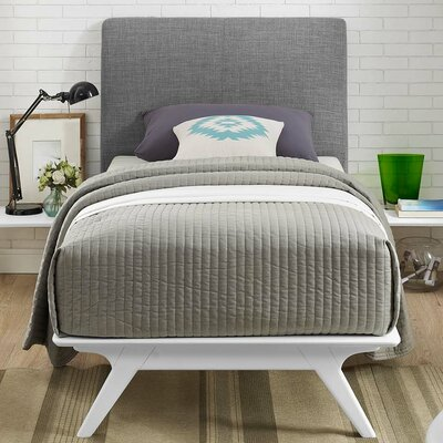 Hannigan Panel Bed Size: Full, Color: Gray
