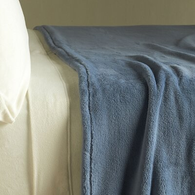 PrimaLush� Blanket Size: Full/Queen, Color: Stone Blue
