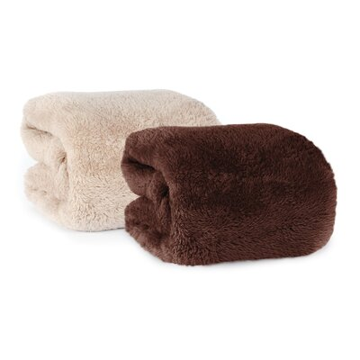 Extra-Fluffy Fabric Throw Color: Chocolate