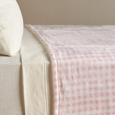 VelvetLoft� Country Check Polyester Blanket Size: Twin, Color: Rosewater Gingham