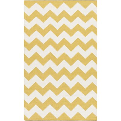 York Yellow Chevron Pheobe Area Rug Rug Size: 4 x 6