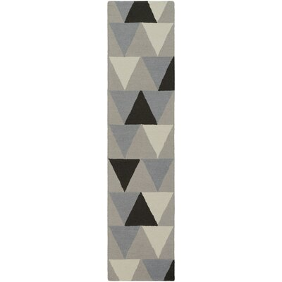 Hilda Rae Hand-Crafted Gray/Black Area Rug Rug Size: 5 x 76