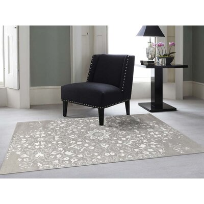 Hadassah Hand-Tufted Silver/White Area Rug Rug Size: Rectangle 76 x 96