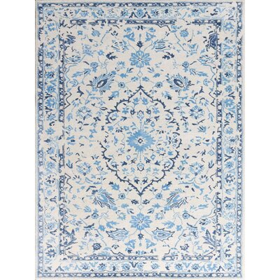Artist Hand-Tufted White/Blue Area Rug Rug Size: 7'6