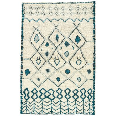Halton Hand-Knotted Cream/Blue Area Rug Rug Size: Rectangle 2' x 3'