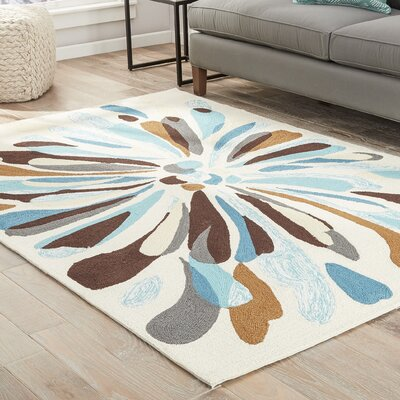 Saira Cream/Blue/Brown Indoor/Outdoor Area Rug Rug Size: 5 x 76