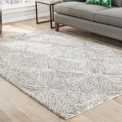 Mata Hand-Tufted White/Gray Area Rug Rug Size: Rectangle 8 x 11