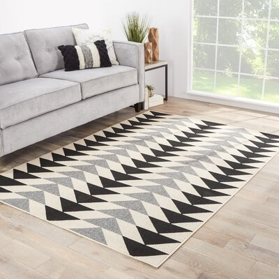 Maverick Hand-Knotted Black/Gray/Cream Indoor/Outdoor Area Rug