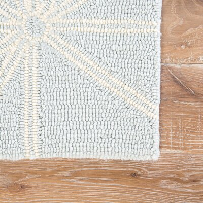 Saison Hand Hooked Light Blue Indoor/ Outdoor Area Rug Rug Size: Rectangle 5 x 76