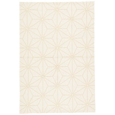 Saison Hand Hooked White Indoor/Outdoor Area Rug Rug Size: Rectangle 5 x 76