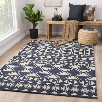 Salinas Hand-Hooked Ivory/Navy Indoor/ Outdoor Area Rug Rug Size: Rectangle 76 x 96