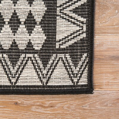 Leah Moonstruck Indoor/Outdoor Area Rug Rug Size: Rectangle 2 X 38
