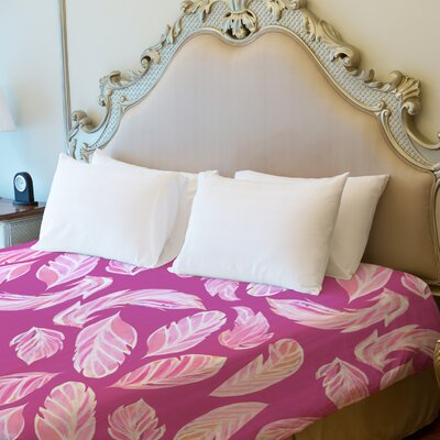 Stilettos Feathers 2 Fleece Duvet Cover Size: King