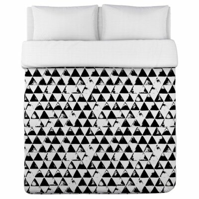 Distressed Triangles Duvet Cover Size: King
