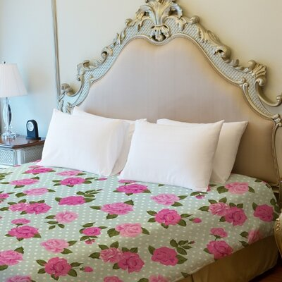 Lovely Florals Lightweight Duvet Cover Size: King