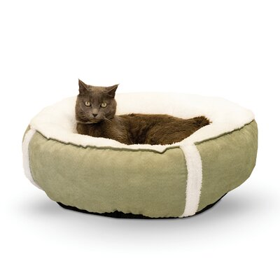 Cat Sleepy Nest and Fleece Size: 18, Color: Sage / Cream