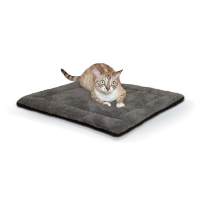 Self-Warming Pet Pad Color: Gray/Black