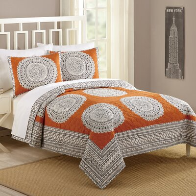 Artistic 3 Piece Quilt Set