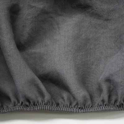 Linen Fitted Sheet Size: Queen, Color: Graphite Gray