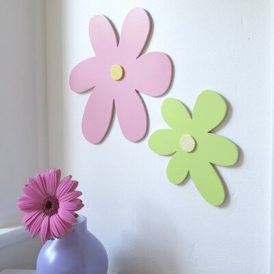 Heart to Heart Wooden Daisy Cut-Out 3D Wall D�cor - Size: Large, Color: Yellow at Sears.com