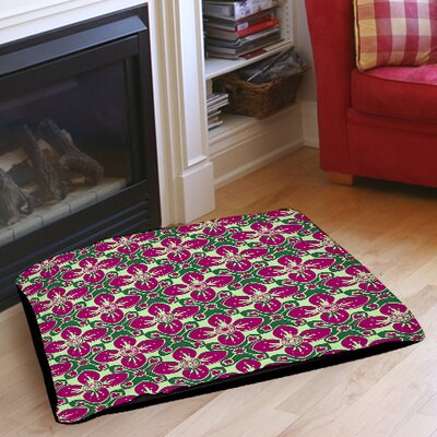 Anna Medallion 4 Pet Bed Color: Berry, Size: 40 L x 30 W