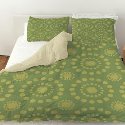 Tropical Breeze Patterns Duvet Cover Color: Green, Size: King