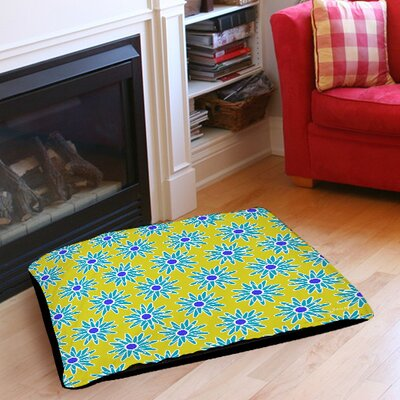 La Roque Summer Starburst Indoor/Outdoor Pet Bed Size: 28 L x 18 W