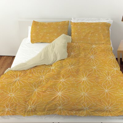 Funky Florals Daisy Sketch Duvet Cover Color: Sunset, Size: Queen