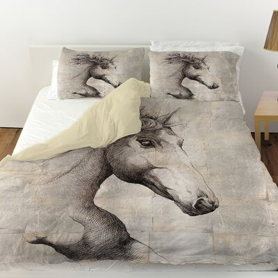 Run with the Wind Duvet Cover Size: Queen