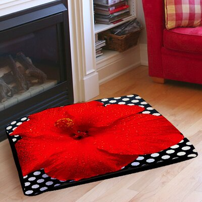Hibiscus Indoor/Outdoor Pet Bed Size: 28 L x 18 W
