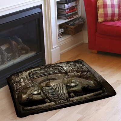 Old New York Indoor/Outdoor Pet Bed Size: 50 L x 40 W