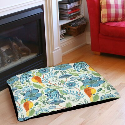 Osa Indoor/Outdoor Pet Bed Size: 50 L x 40 W