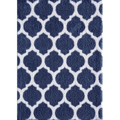 Nannie Blue/White Area Rug Rug Size: 76 x 96