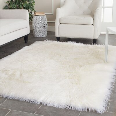 Bilton White Area Rug Rug Size: Rectangle 6 x 9