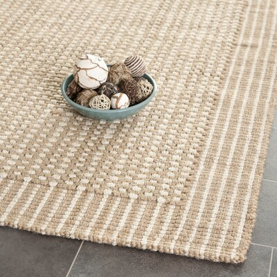 Heyburn Ivory/Beige Area Rug Rug Size: Rectangle 6 x 9