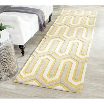 Martins Gold / Light Brown Area Rug Rug Size: 4 x 6
