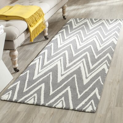 Martins H-Tufted Wool Gray Area Rug Rug Size: Runner 26 x 8