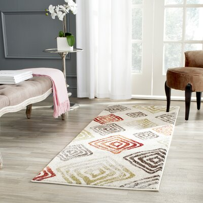 Shroyer Ivory/Green Area Rug Rug Size: Rectangle 4 x 57