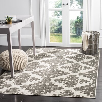 Clarence Traditional Indoor/Outdoor Area Rug Rug Size: Rectangle 53 x 77